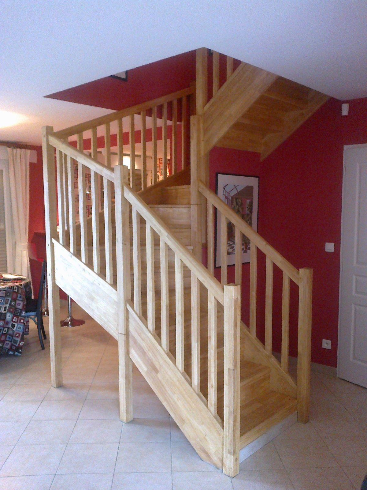 escaliers magnin escalier 2 4 tournant vttv avec contremarches. Black Bedroom Furniture Sets. Home Design Ideas