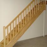Escalier est de forme 1/4 tournant haut (VT) VTTV avec contremarche.