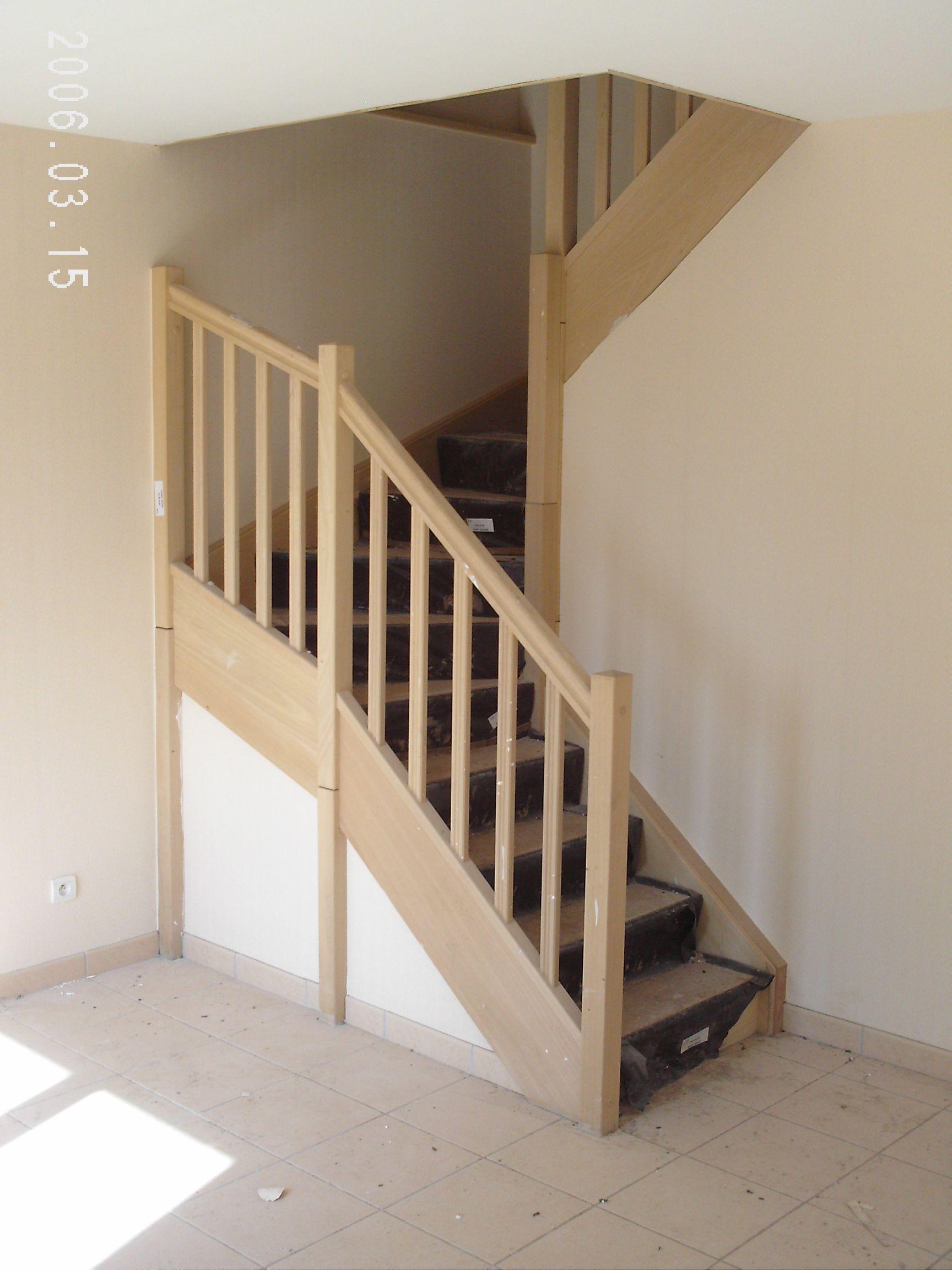 escaliers magnin cet escalier est de forme 2 4 tournant. Black Bedroom Furniture Sets. Home Design Ideas